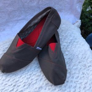 TOMS  SIZE 11.5  excellent condition elegant